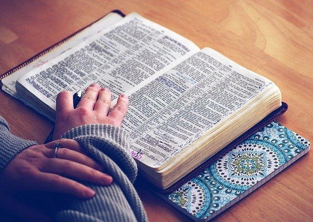 TEN LESSONS FROM NEHEMIAH.